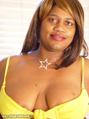 Zahoua latino escorts in Cudahy, WI
